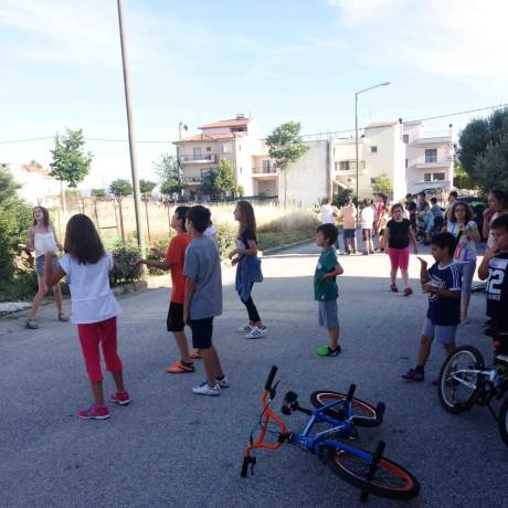 Όλα τα παιδιά συμμετέχουν στο παιχνίδι!